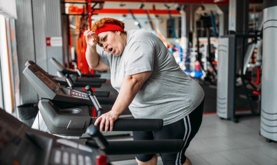 Czy chodzenie na bieżni pomaga schudnąć