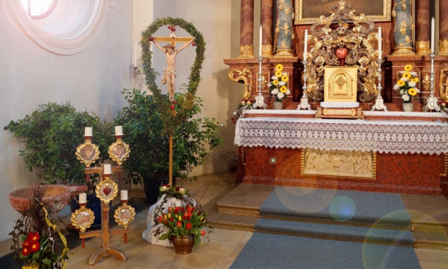 Dekoracje Wielkanocne W Kościele